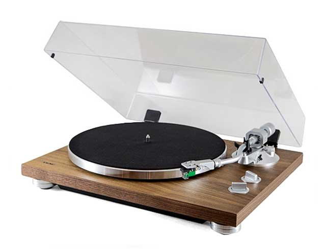 TEAC TN-400S Belt-Driven Turntable with S-Shaped Tonearm