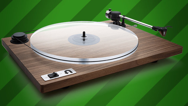 8 Turntables on Every Vinyl Lover's Holiday Wishlist