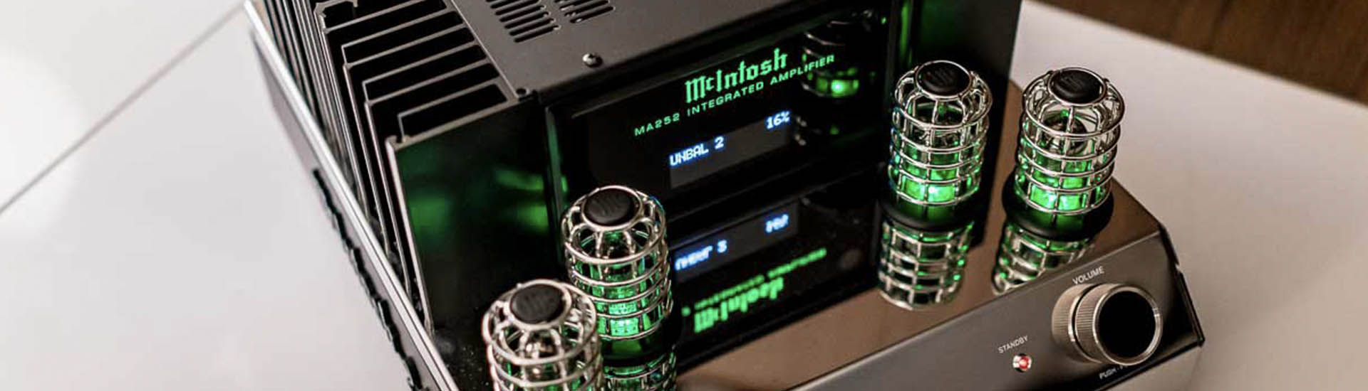 McIntosh MA252 Review : Hybrid Integrated Amp   World Wide Stereo