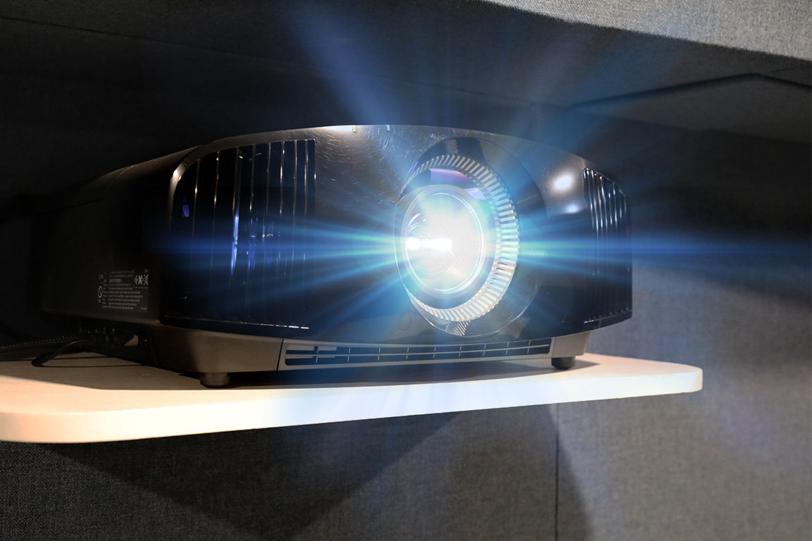Sony VPL-VW385ES 4K HDR Home Theater Projector