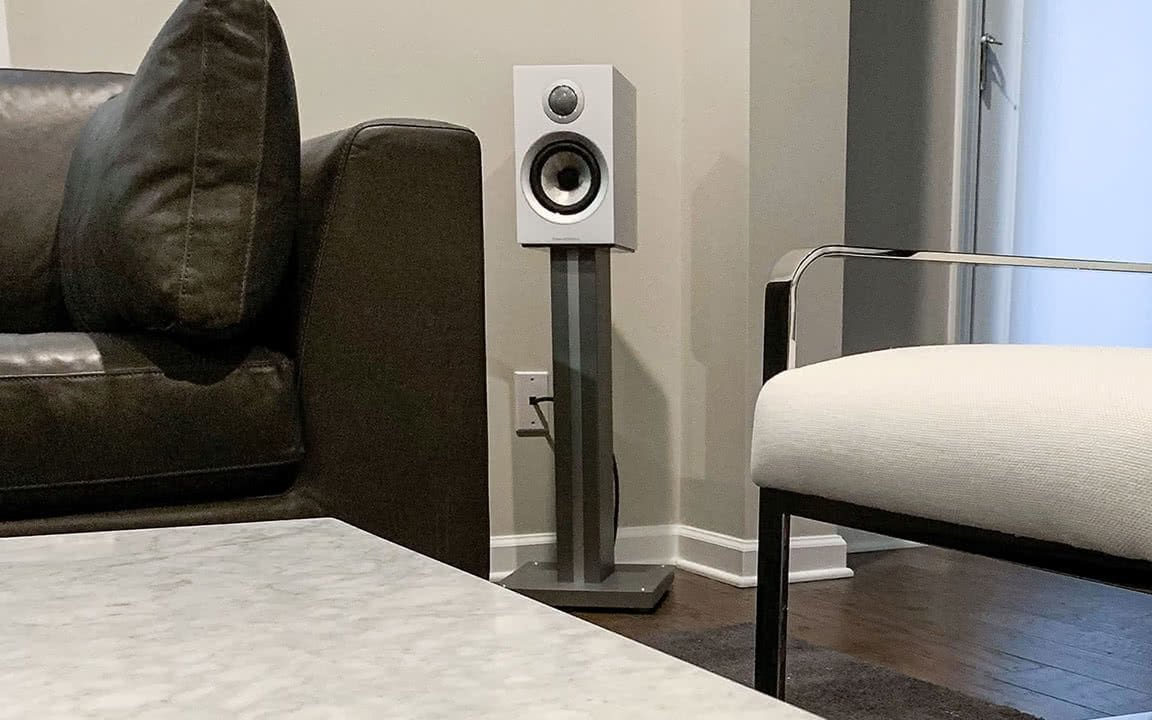 Bowers and Wilkins 707 S2 bookshelf speakers used as rear surrounds