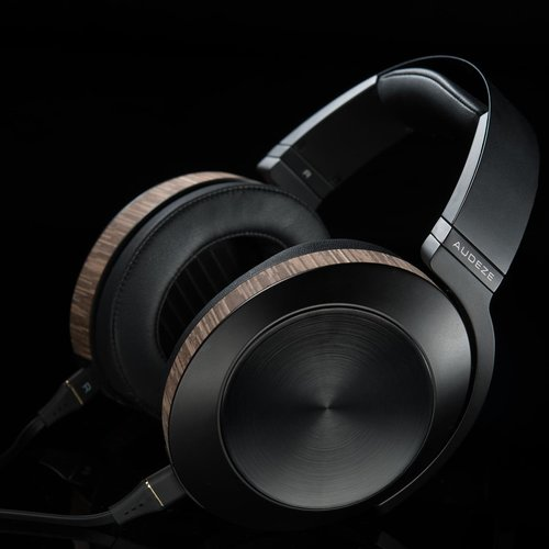 View Larger Image of EL-8 Closed-Back Headphones (Black)