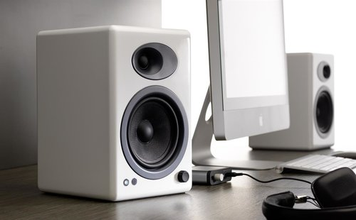 View Larger Image of USB-1 Turntable Package With Pair of Audioengine A5+ Bookshelf Speakers