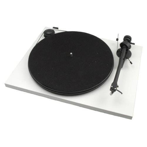 View Larger Image of Essential II Turntable With Ortofon OM5e Cartridge