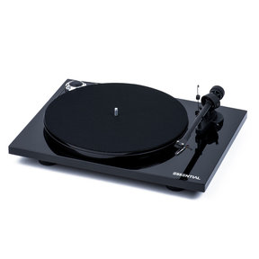 Essential III Turntable with OM 10 Cartridge