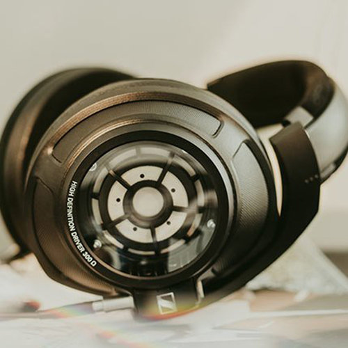 View Larger Image of HD 820 Over-Ear Closed-Back Headphones (Black)