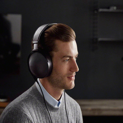 View Larger Image of MDR-Z1R Signature Series Over-Ear Headphones